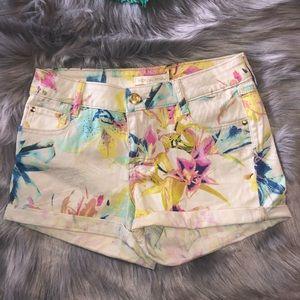 Nicki Minaj•Floral Denim Shorts•Size:5•EUC